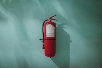 Pakume tuleohutuse koolitusi ja evakuatsiooniõppuseid kõikjal Eestis